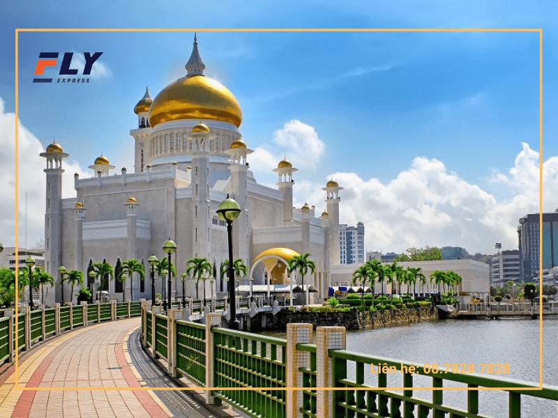 Brunei đang trở thành quốc gia thu hút dân nhập cư và khách du lịch